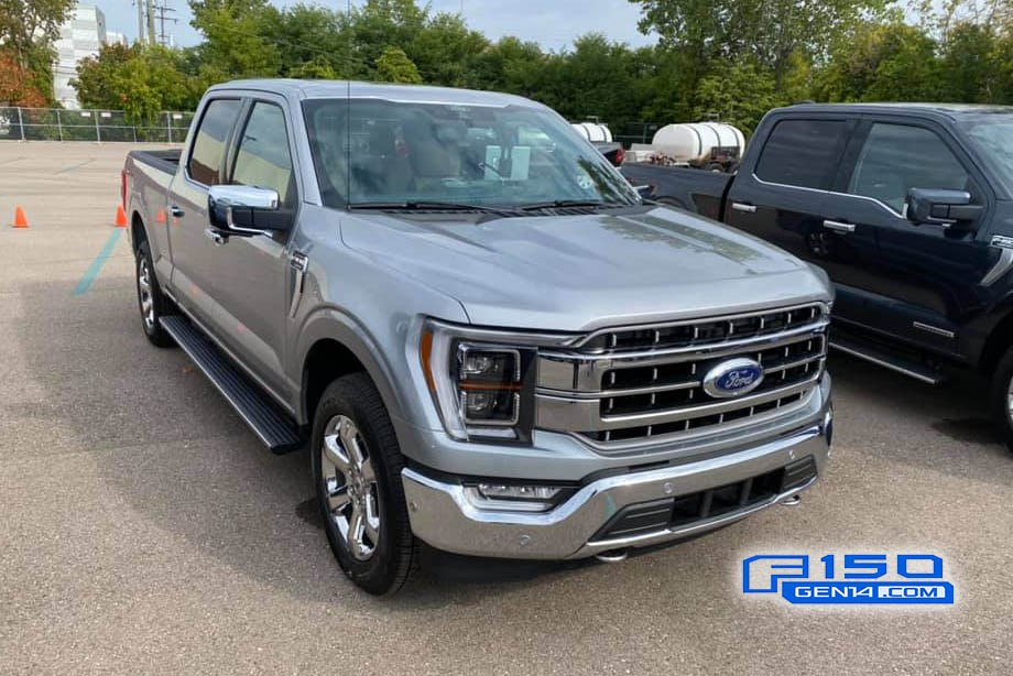 Iconic Silver Lariat Chrome 2021 F-150 Front.jpg