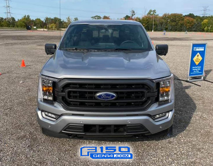 Iconic Silver XLT Sport FX4 2021 F-150 Front.jpg