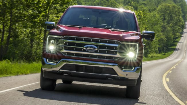 s-InlineHero-2021-Ford-F-150-f-grille-driving-8-21.jpg